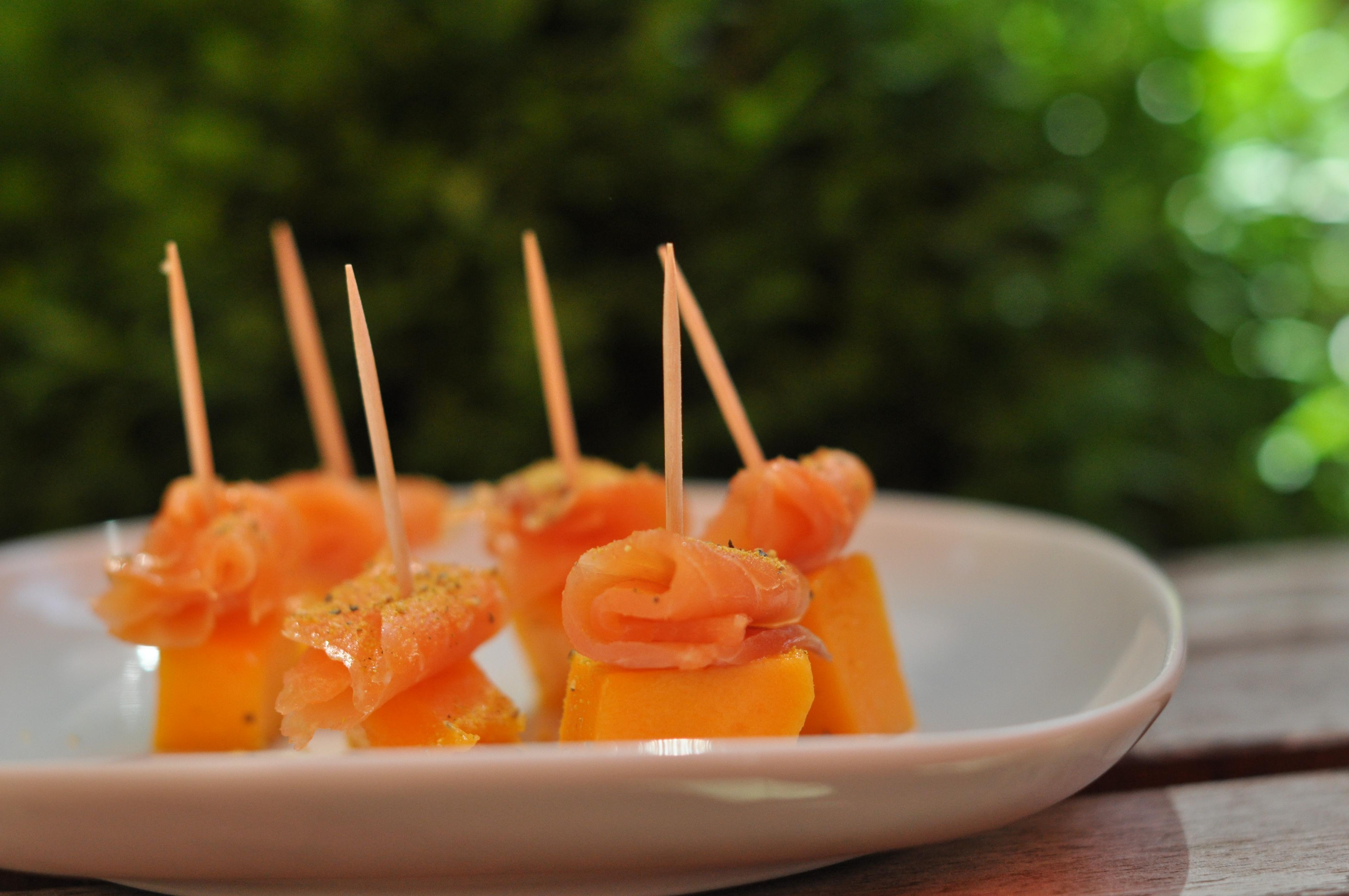Mango-salmon-bites
